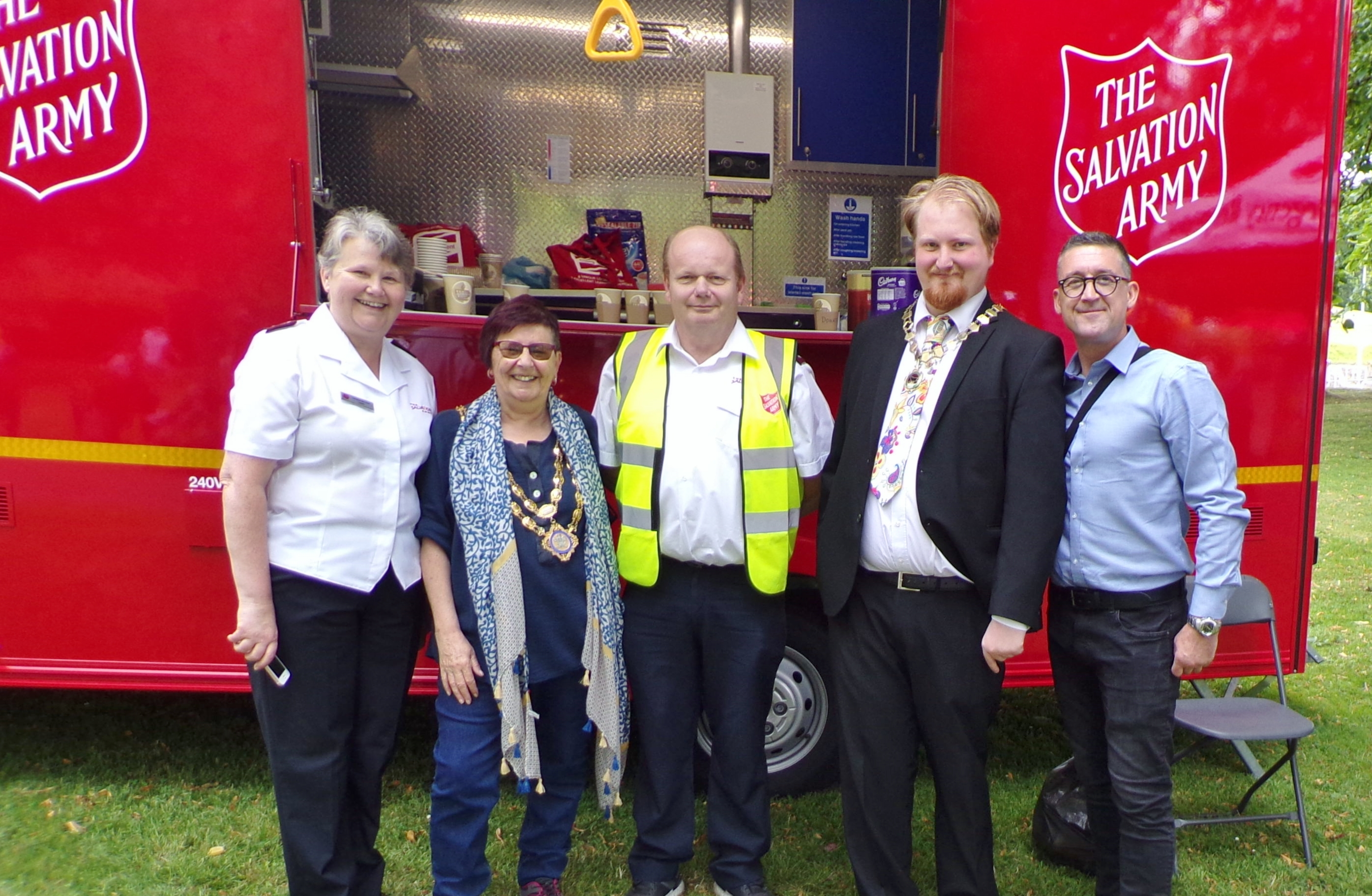 mayor at salvation army stand